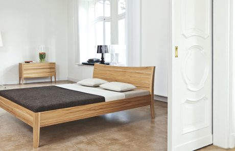 Designer Bett komplett aus Holz