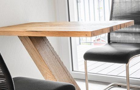 Tisch_Designertisch_aus_Holz